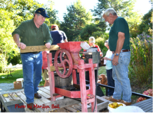 Cover photo for Fall Apple Cider Pressing